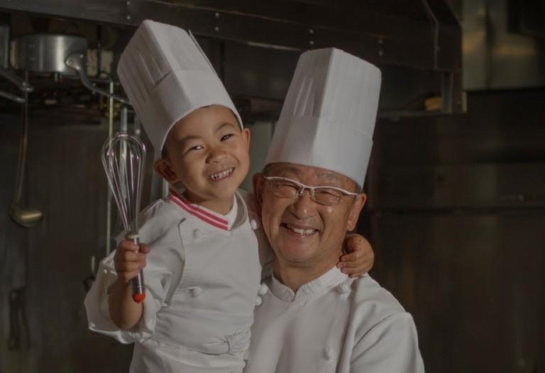 洋食屋さんのシェフとお孫さん:ツーショットです