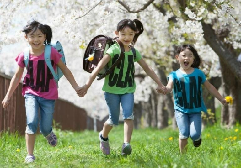 桜の樹の下で:入学写真:あさかぜ写真館撮影