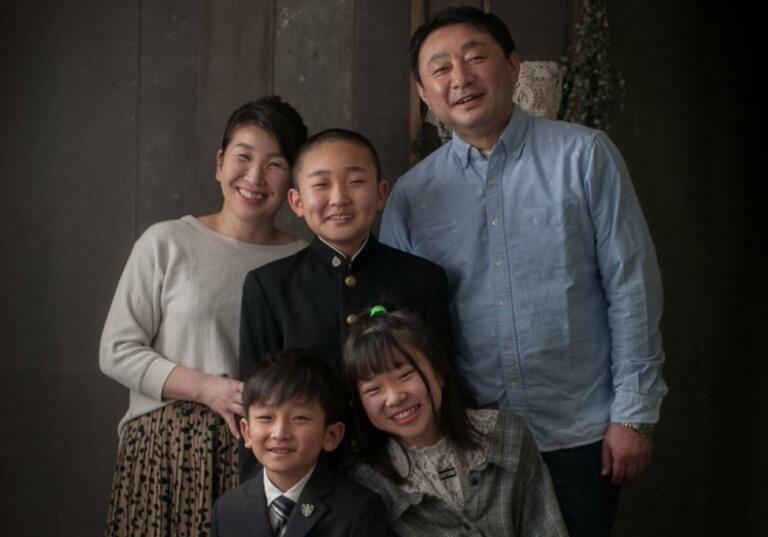 5人家族:スタジオ撮影:お兄ちゃんは中学生