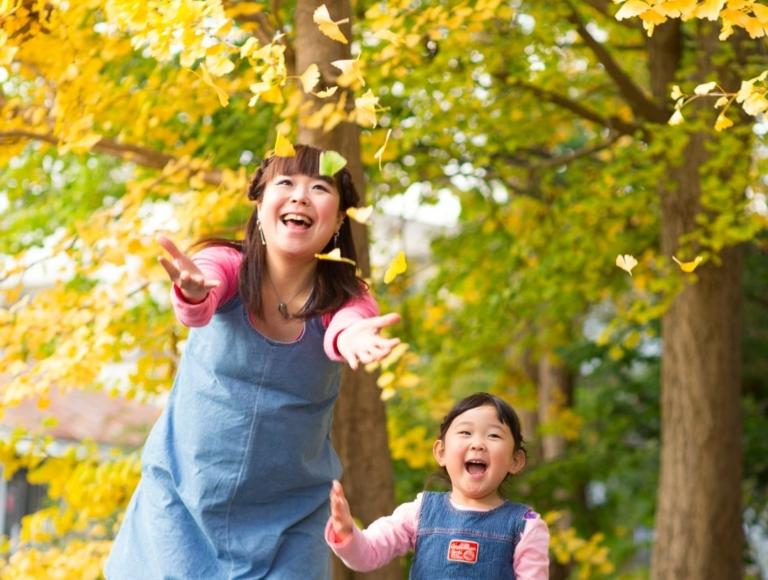 お誕生日記念写真。紅葉の中で。