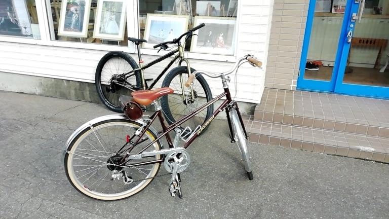 自転車2台。ロケハン用。ラレーとKonaです